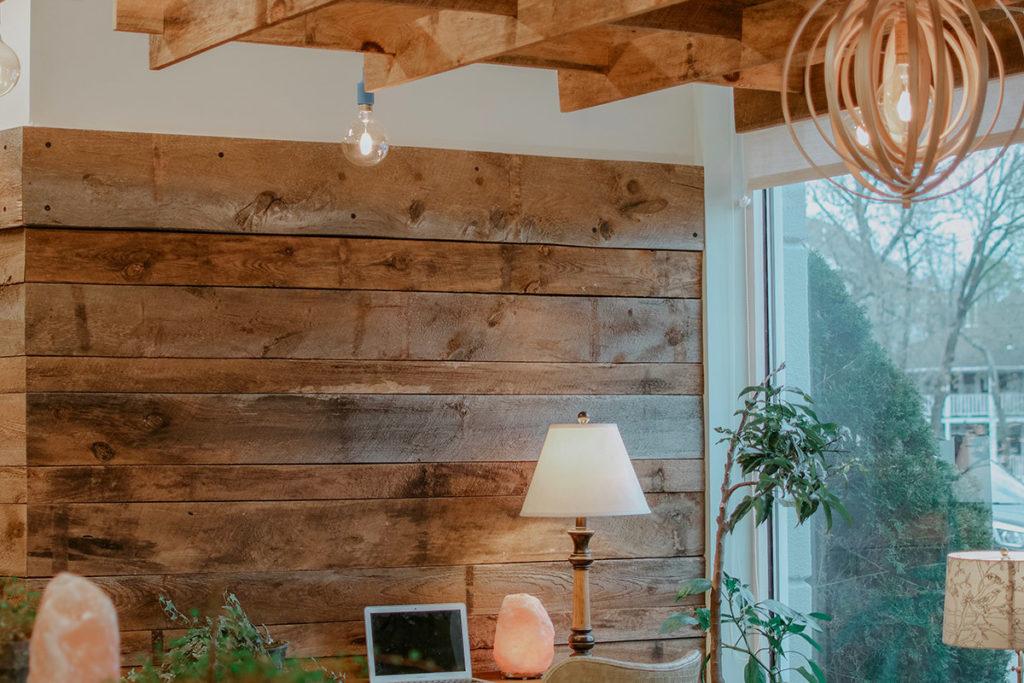 arredamento interni in legno di castagno