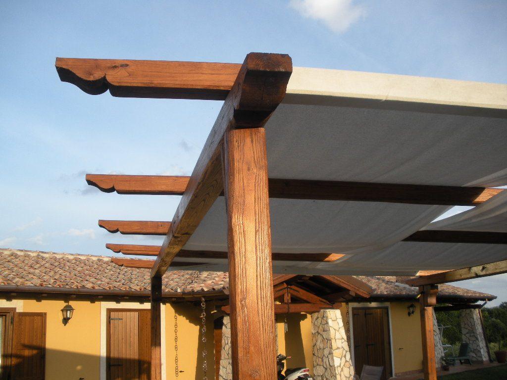 tetti esterni in legno di castagno