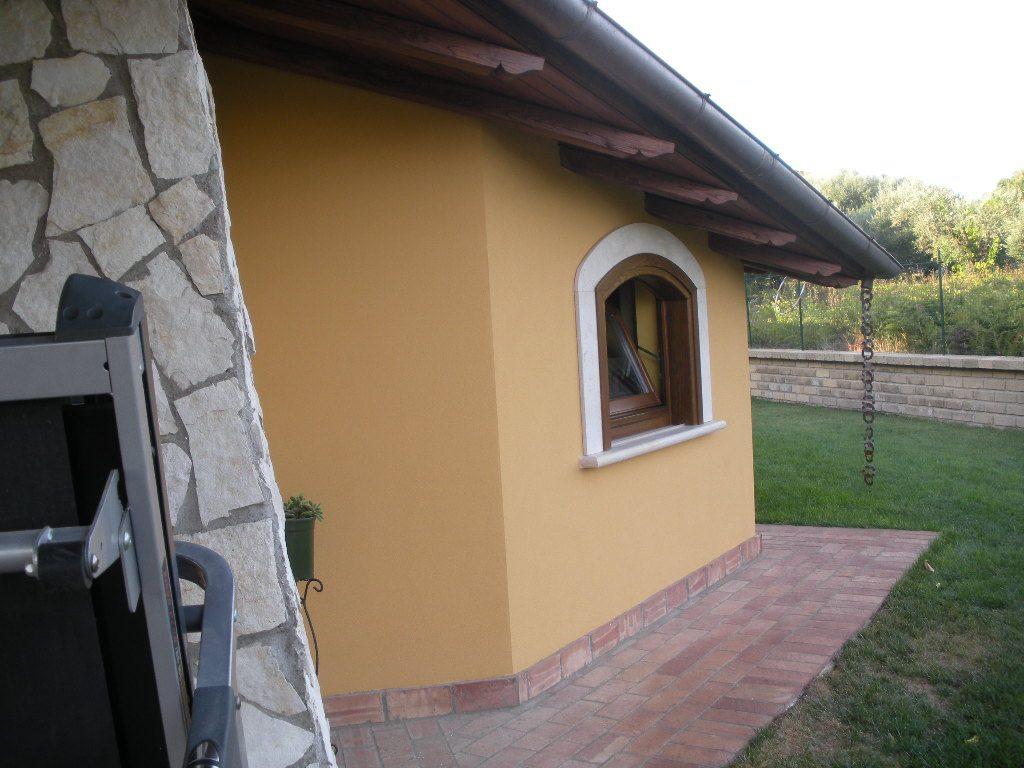 tettoia in legno di castagno