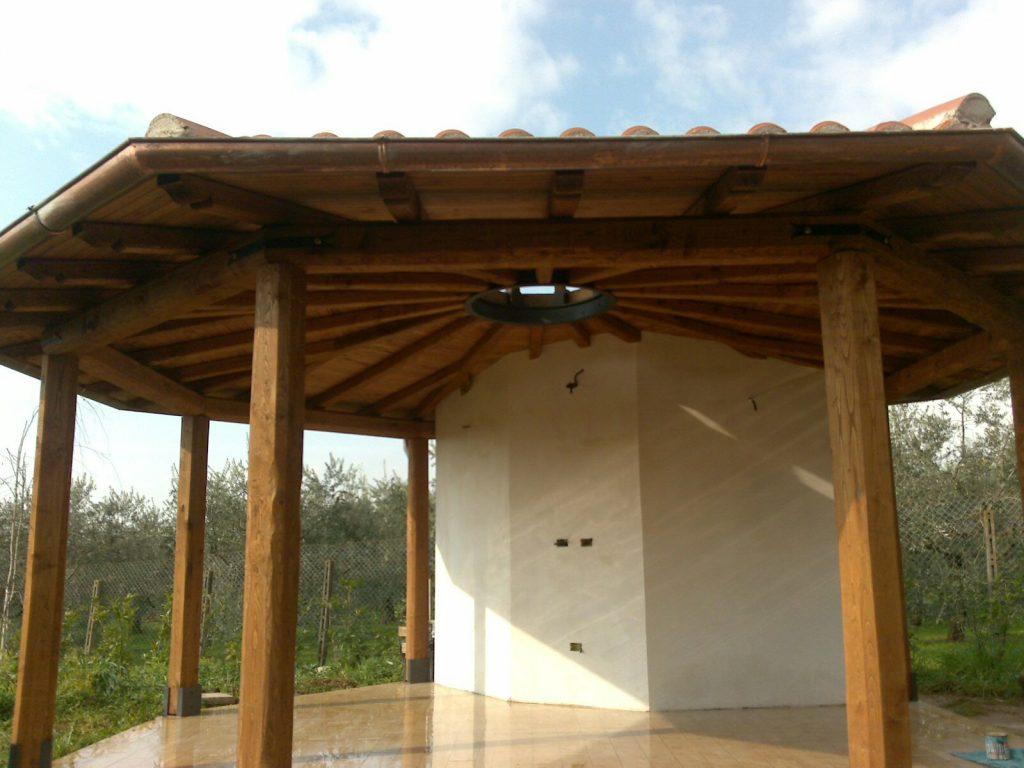 tetto tondo in legno di castagno