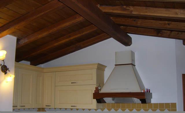 tetti interni in legno di castagno