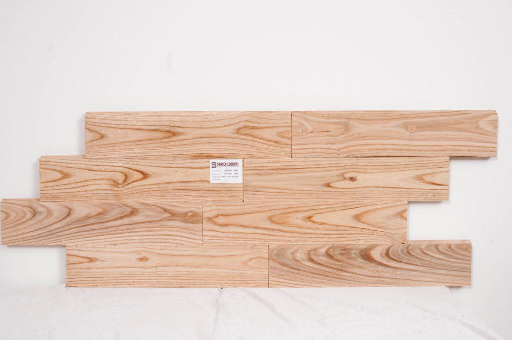 tavole piallate per parete castagno